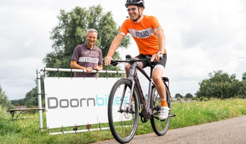 <p>De Giesbeekse Parkinsonpati&euml;nt Marco fietst zestig kilometer met en voor mantelzorgers.</p>