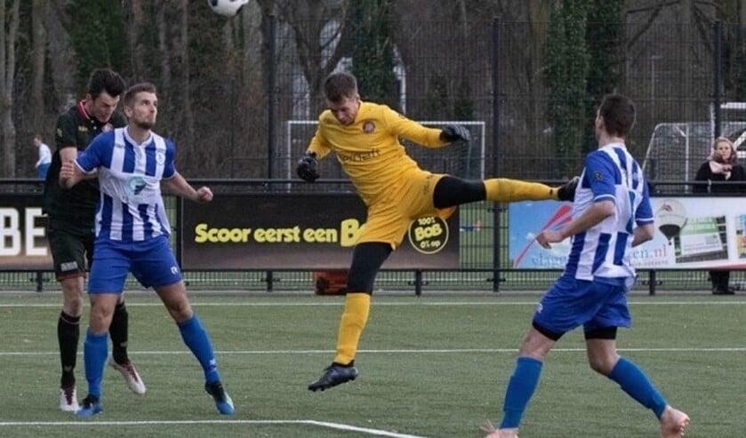 Ook keeper Massimo van Ewijk ging in de slotfase in de aanval