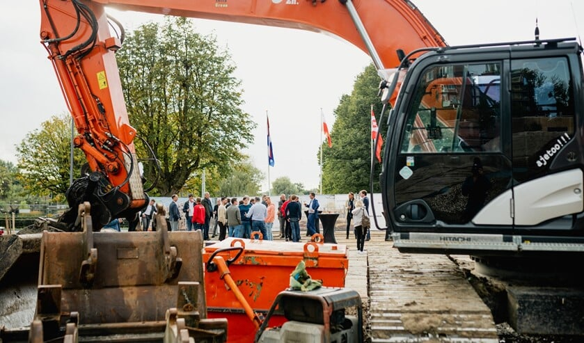 <p>De bouw van nieuwbouwcomplex Salix met 74 huurwoningen is gestart. Foto: Jordy Brada.</p>
