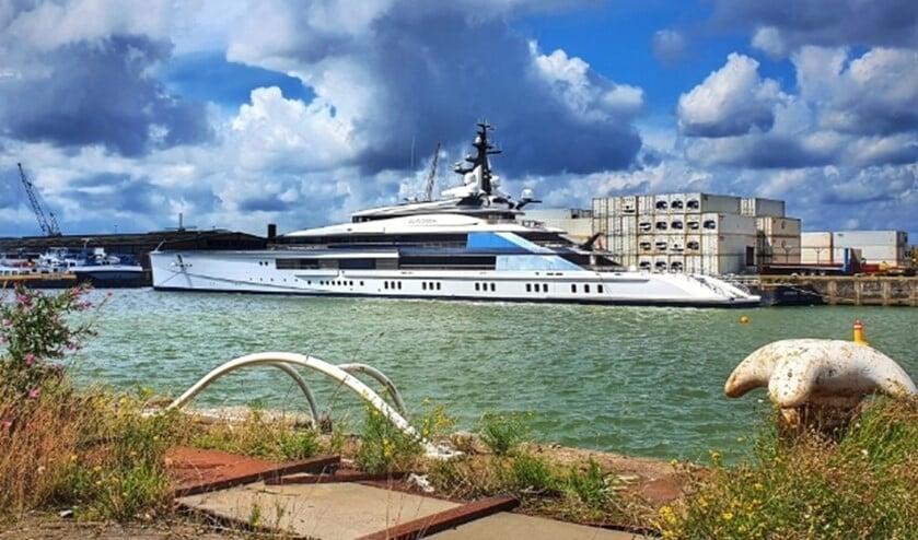 Kapitaal jacht in de Merwehaven