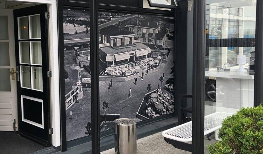 <p>Op de foto het toenmalig caf&eacute;-restaurant Waalhaven, op een fraaie vergroting bij de ingang van caf&eacute;-restaurant &#39;t Vliegveld op Waalhaven-Zuid. Bron foto: facebook.com/vliegveldwaalhaven</p>