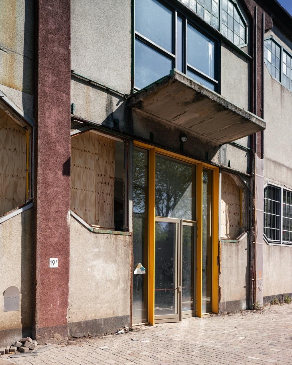 Zuidgevel voor de renovatie. Foto: Rubén Dario Kleimeer  © rotterdam