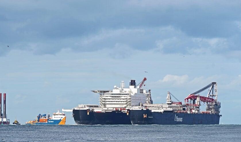<p>Havenbedrijf Rotterdam ondersteunt de onderzoeken met en naar platte oesters in het westelijk havengebied. Foto: Kees Torn</p>