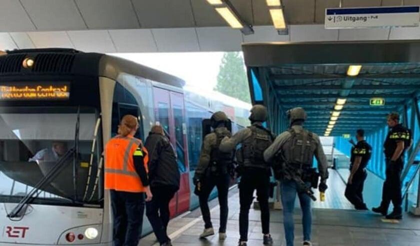 <p>De politie heeft een verdachte aangehouden, het station werd ontruimd.</p>