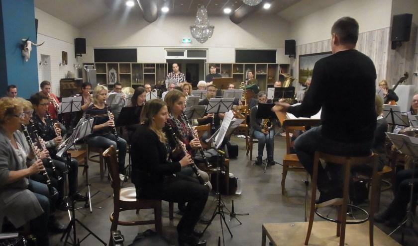 Repetitie bij Harmonie De Goede Hoop     Fotonummer: b73441