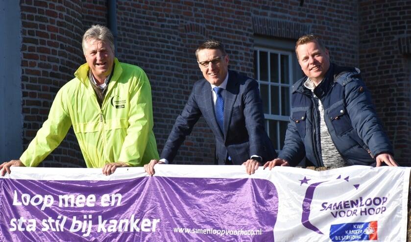 Vlnr: René van Luytelaar, burgemeester Frank van der Meijden en Jorg Krijnen   | Fotonummer: 87abad