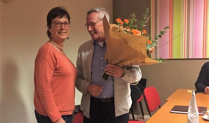 Voorzitter Ans van de Kerkhof en Wies Rooijakkers   | Fotonummer: 2ea786