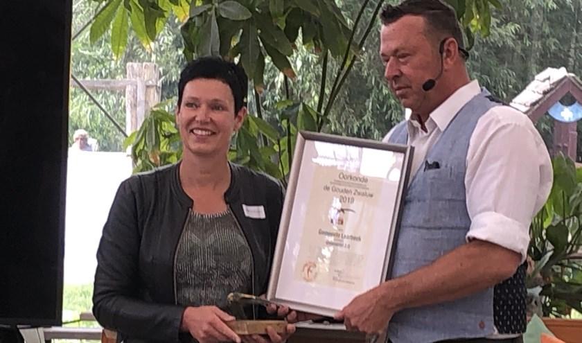 Wethouder Monika Slaets neemt de prijs in ontvangst   | Fotonummer: 80771e