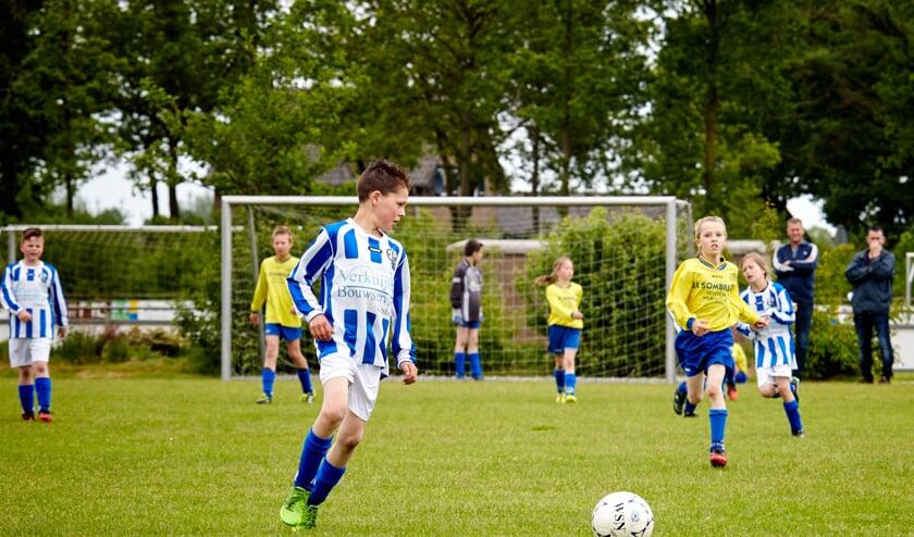 Tijdens jeugdwedstrijden, -trainingen en andere jeugdactiviteiten mag er niet meer gerookt worden op de Laarbeekse sportparken   | Fotonummer: 7c4bba