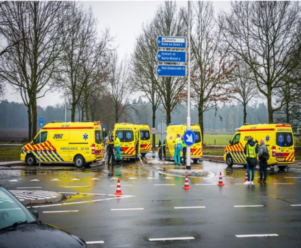 Ongeval op de kruising bij de Deense Hoek/N615 (april 2019) Foto:  © deMooiLaarbeekkrant