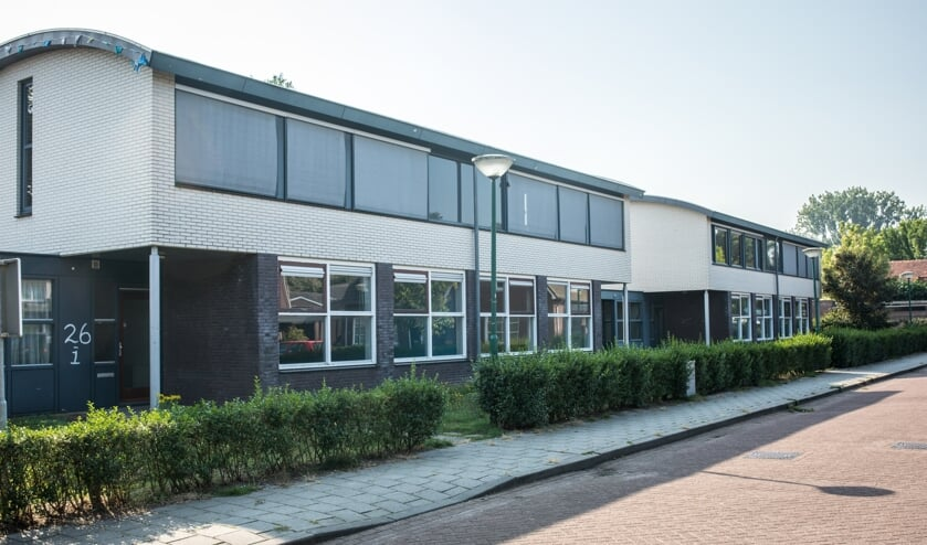 De schoolwoningen, waar voorheen basisschool de Driehoek huisde   | Fotonummer: a948c5