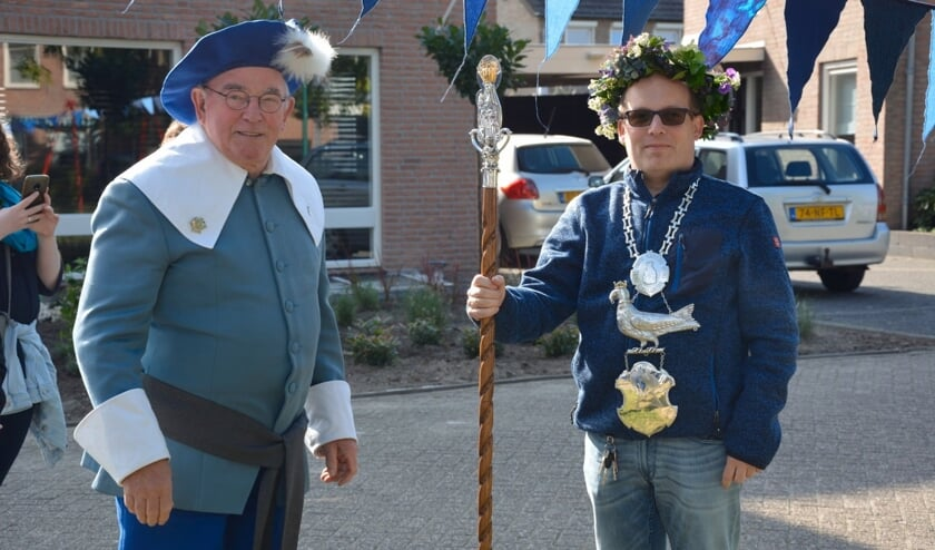 Ronald Koster (r), koning Blauwe Schutplein 2019 met Mari kerkhof, koning van het OLV Gilde   | Fotonummer: fe09a6