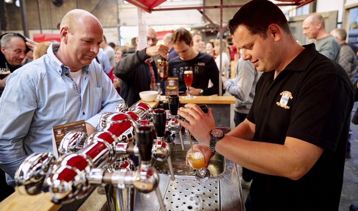 Brouwerij Laarbeek, één van de aanwezige brouwerijen bij 'Bier op het Plein' (archief)
