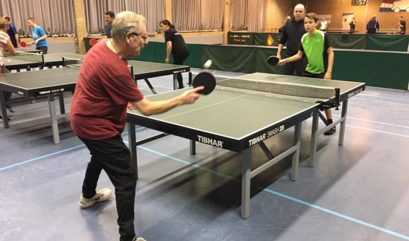Jeroen Engelhart geeft training aan Tijl Engelhart   | Fotonummer: ca05d8