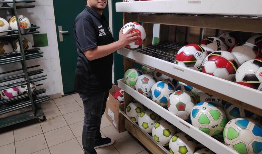 Abdulwahab Hasan, actief als terreinmeester bij Sparta'25   | Fotonummer: 635309