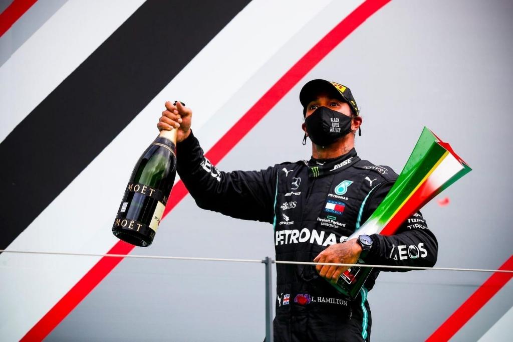 Lewis Hamilton won de race Foto: Bjorn Berkers © deMooiLaarbeekkrant