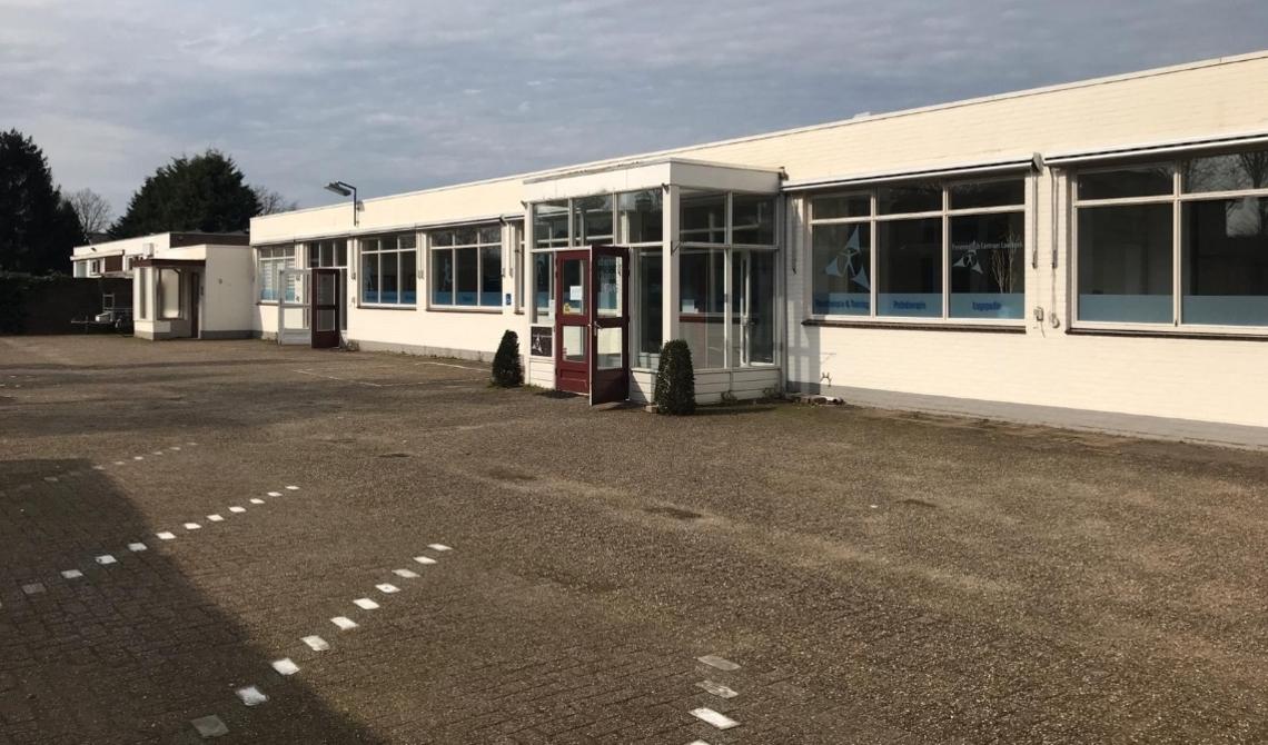 De isolatiepraktijk is gevestigd in het oude pand van Fyistoherapie Kemps en Rijf, gelegen aan Molenstraat 9a in Aarle-Rixtel