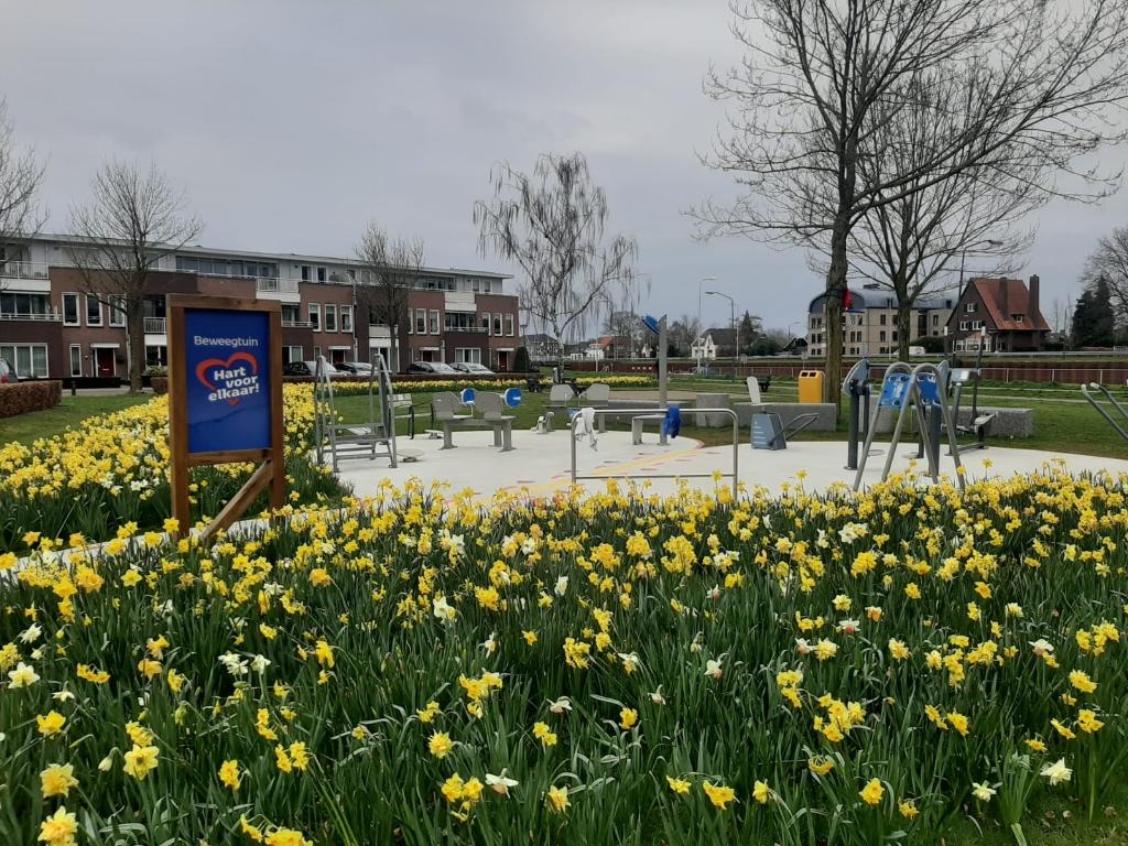 De beweegtuin aan het Rembrandtplein in Beek en Donk Foto: Henk Berkers © deMooiLaarbeekkrant