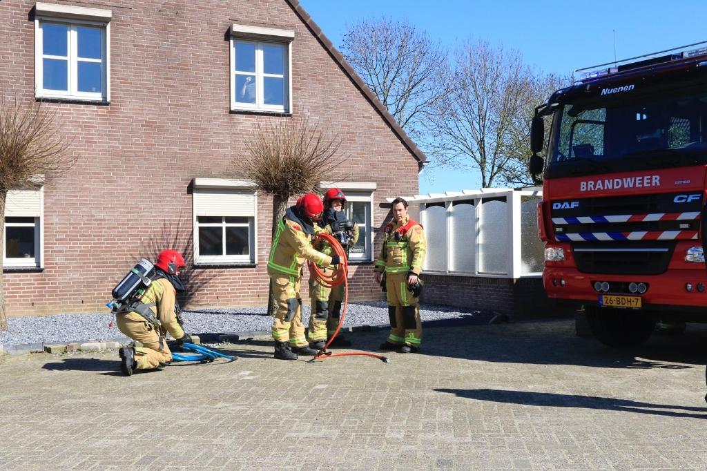Uitslaande brand bij een loods in Lieshout  Foto: 112nieuwsonline.nl  © deMooiLaarbeekkrant
