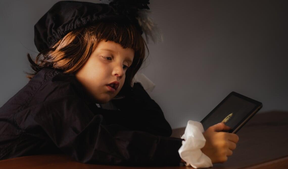 <p>De foto van Debbie Kweens. Het werk van Frans Hals in een modern jasje met het gebruik van de iPad in plaats van een boek</p>