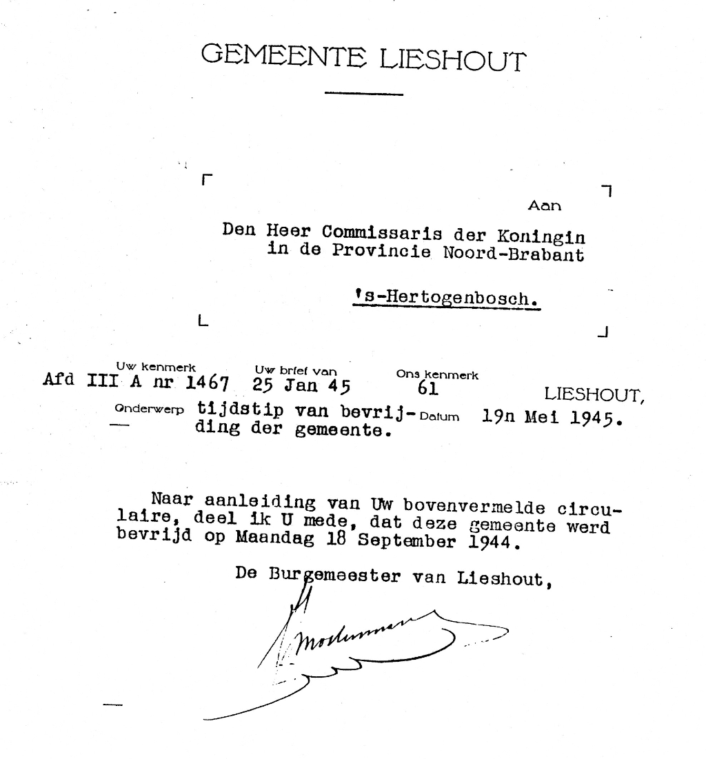 Officiële brief, waarin de bevrijdingsdatum van Lieshout wordt doorgegeven. Ondertekend door de toenmalige burgemeester Mostermans. Foto:  © deMooiLaarbeekkrant