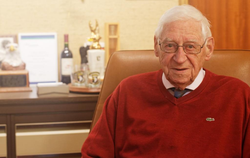 Thieu in zijn kantoor. Foto:  © deMooiLaarbeekkrant