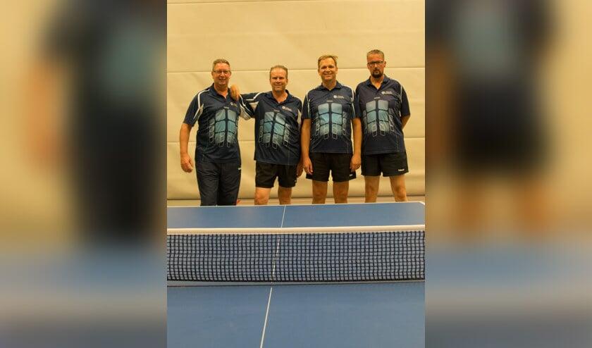 Het eerste team is kampioen: (v.l.n.r.) Gé van der Willigen, Ad van der Geest, Ed van Dorp en Jaap Meiland. | Foto: pr.