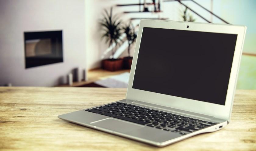 Bij een serviceloket krijgen inwoners informatie over de aanleg van sneller internet.   Foto: pr.