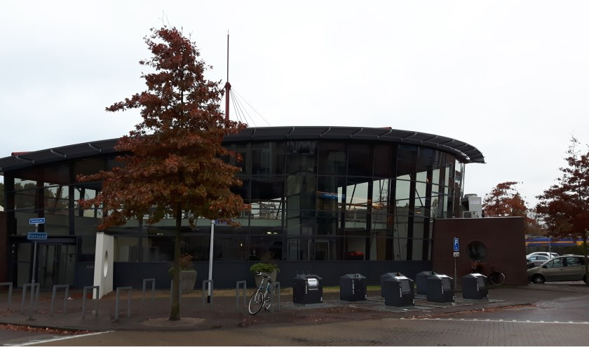 Een aantal partijen heeft belangstelling voor het kopen van de voormalige bibliotheek aan de Jacoba van Beierenhof. | Foto: mv