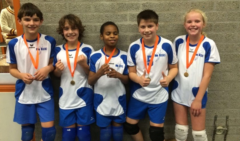 Het miniteam van VCS showt trots de medailles.   Foto: pr.
