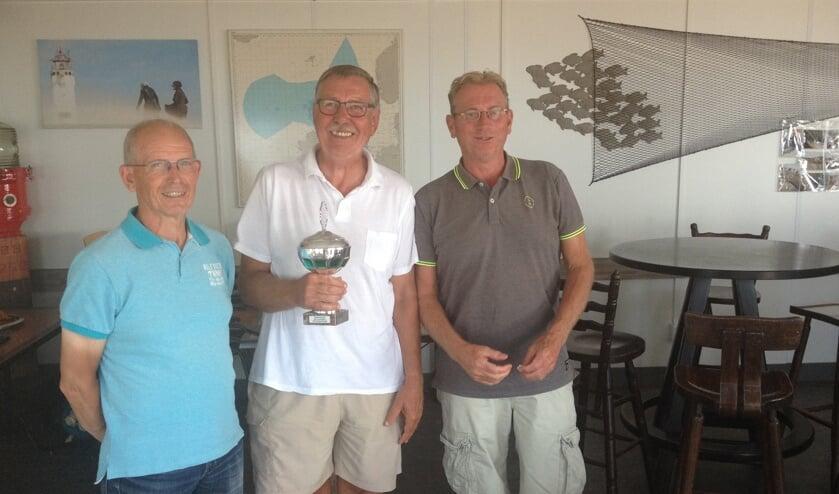 De winnaars van de 55+ competitie: Dick van Duyvenbode, Hans Turenhout, Piet Onderwater. | Foto: PR