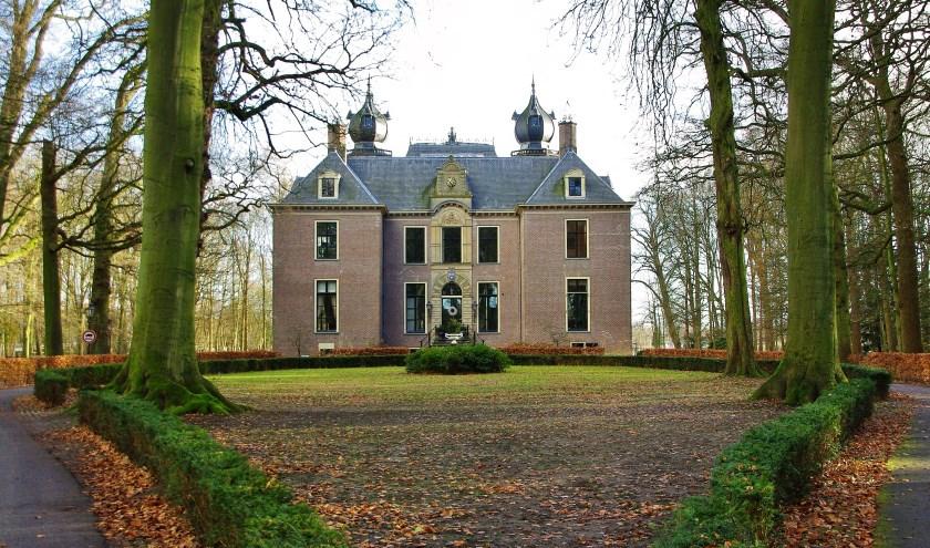 Al het geld dat verdiend wordt, komt ten goede aan het behoud van het landgoed.   Foto Willemien Timmers