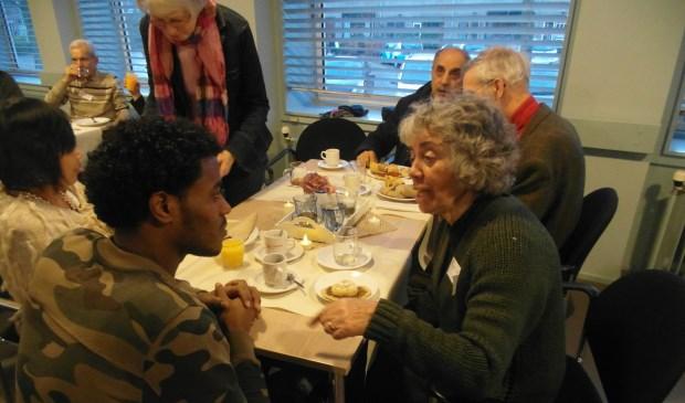 Het was een warme en bijzondere middag met bijzondere ontmoetingen en mooie gesprekken. | Foto: PR