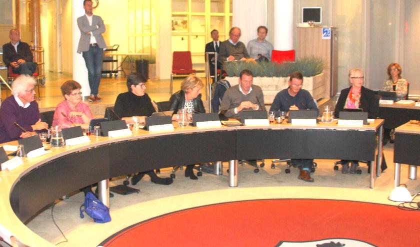De fractie van Puur bleek verdeeld te zijn over de Economische Agenda Bollenstreek. | Foto: Wim Siemerink