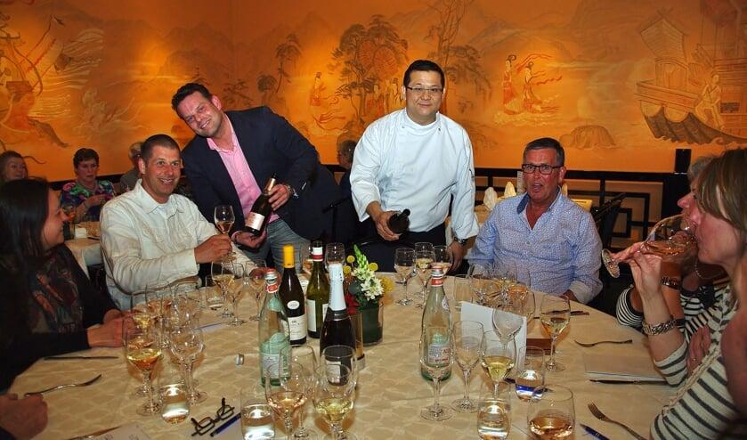 Argo Porte en Ka Lun Ip verrasten de gasten met heerlijke wijnen en bijpassende gerechten. | Foto Willemien Timmers