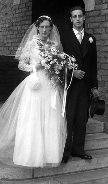 De bruid was indertijd volledig in het wit, inclusief de bloemen. | Foto: PR
