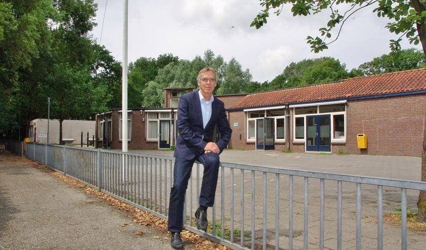 Douwe Splinter: 'Het liefst zouden wij dit bijgebouw slopen en er een arbeidstrainingscentrum neerzetten.' | Foto Willemien Timmers
