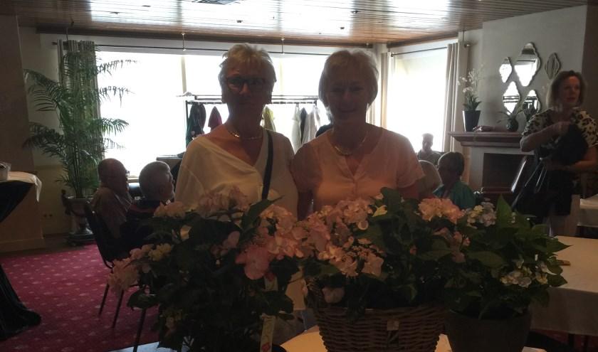 Jeanne Tijssen en Tineke Klaver zijn zomerkampioen bij Sassem Troef.   Foto: pr.