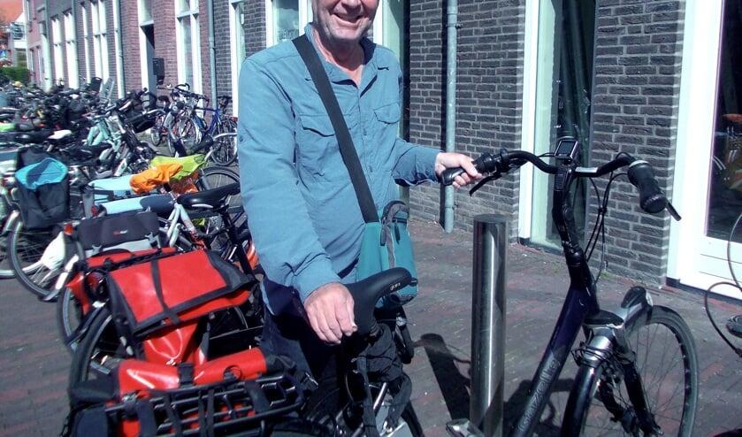 Klaas (65) stapt al tien jaar gewoon op een damesfiets: officieel 'de fiets met lage instap'.