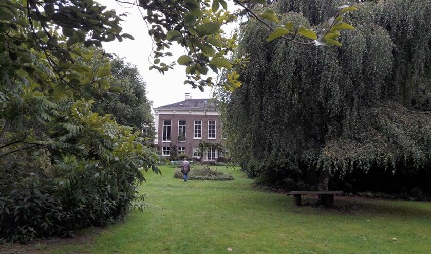 <p>Maak een wandeling in de tuin van De Vroenhof.</p>