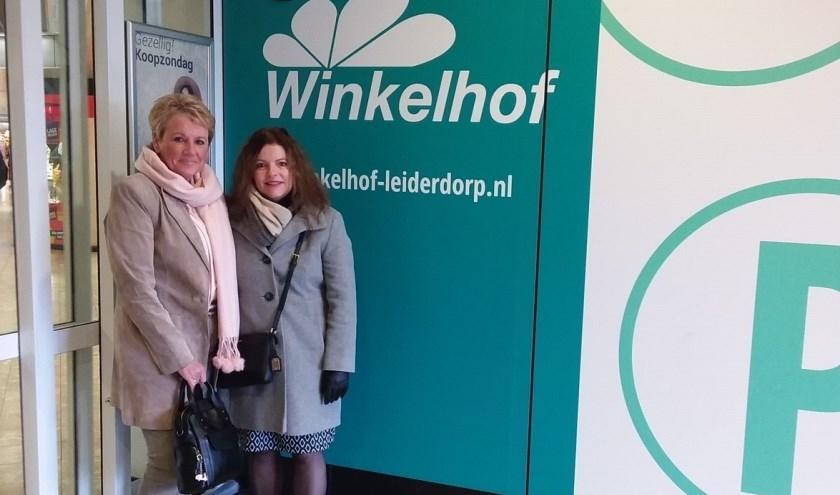 Annelies Hoedt en Mariette Meulman in Winkelhof.