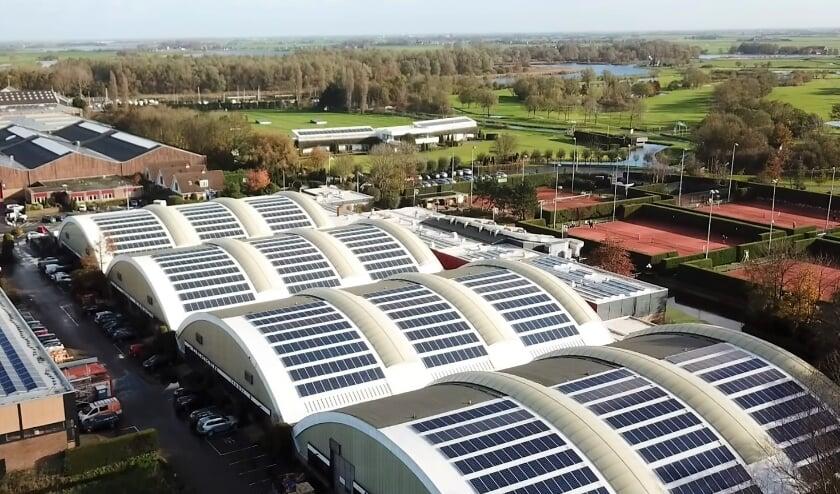 <p>De zonnepanelen in de Veerpolder in Warmond. | Foto: archief</p>
