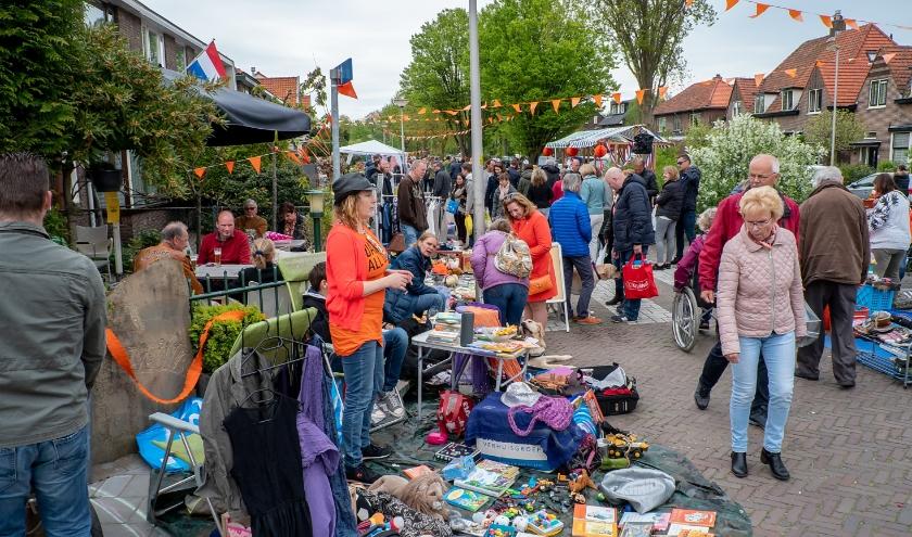 Dit jaar moeten we de koopjes en de gezelligheid in het oude dorp Koningsdag missen.