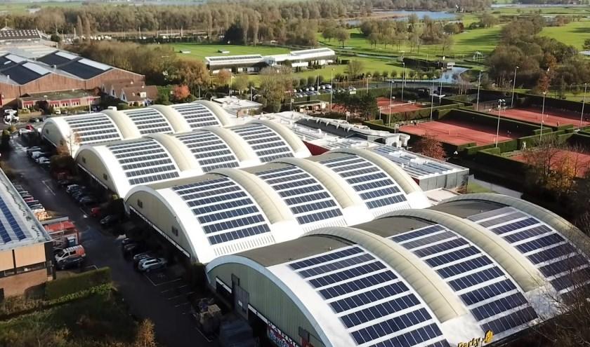 De zonnepanelen in de Veerpolder zijn in negen maanden geïnstalleerd. | Foto: pr.
