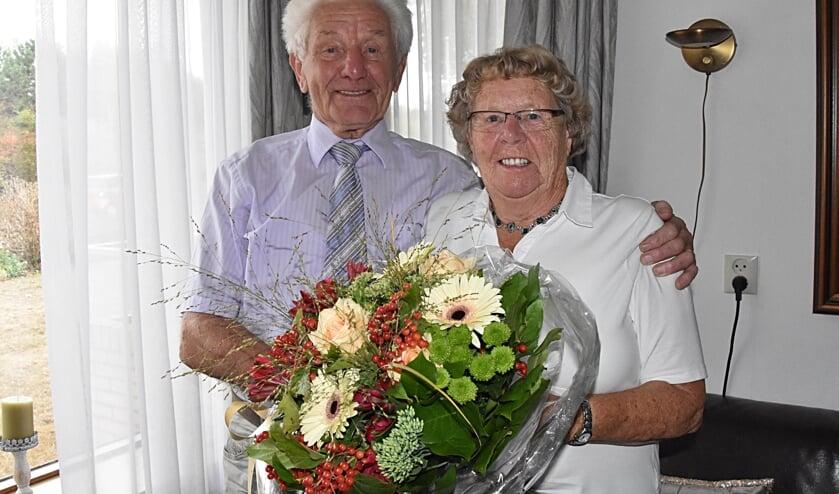 Dirk en Truus van Rijn vierden hun diamanten huwelijksjubileum met een gezellig feest.