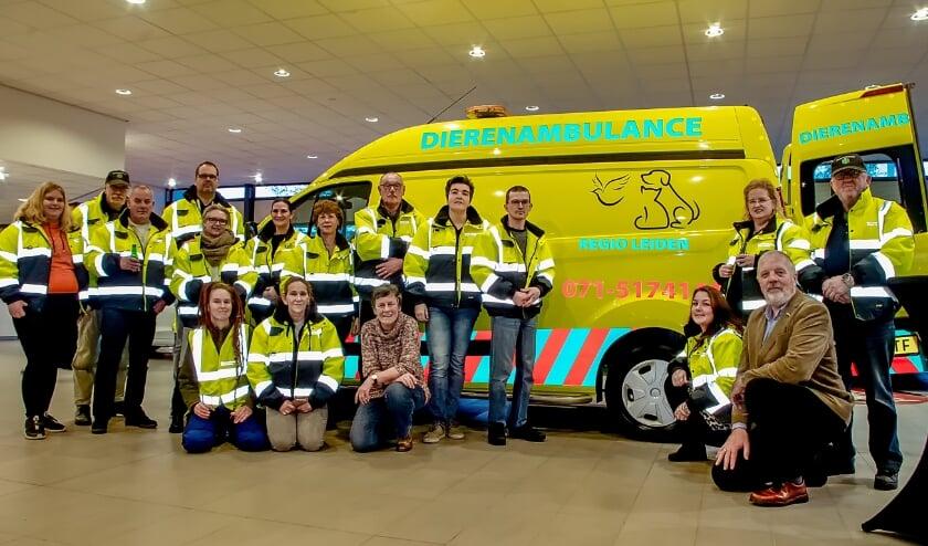 <p>Het Dierenambulance-team dat in de hele regio actief is.   Foto: J.P. Kranenburg</p>