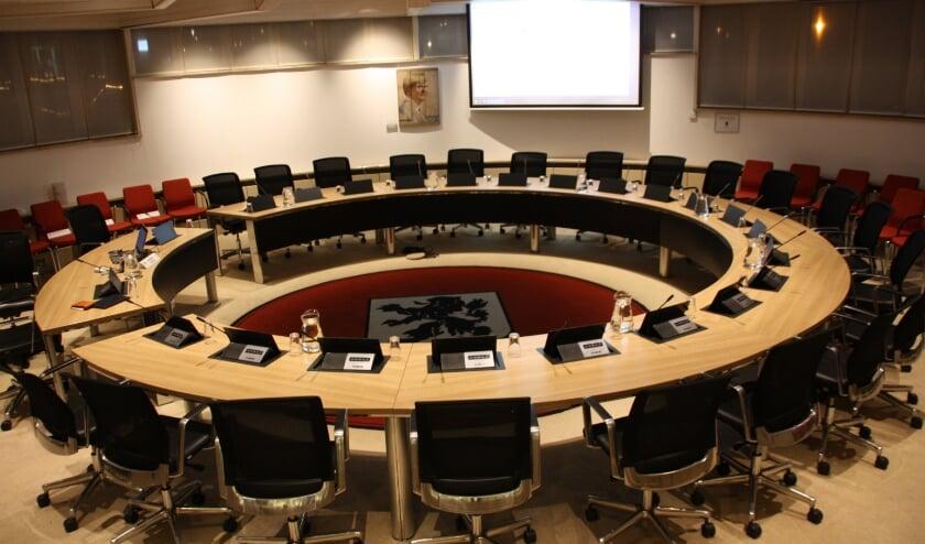 <p>Er wordt wederom gepraat over het in gebruik nemen van een permanente raadzaal.   Foto: Archief</p>