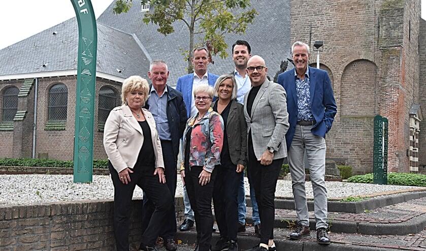 Het Jubileumcomité is druk bezig met het organiseren van een groot dorpsfeest.   Foto: Piet van Kampen.