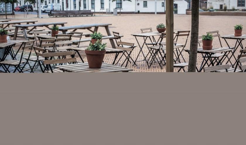 De terassen in de Princestraat en op het Andreasplein mogen een maand eerder en een maand langer open. | Foto: Adrie van Duijvenvoorde