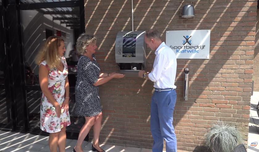 Eerder zorgde de stichting er al voor dat in Valkenburg een AED naar buiten verhuisde.